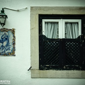 Detail of a wood window – street photography
