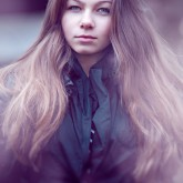 Fashion art photography – Girl Portrait in Violet
