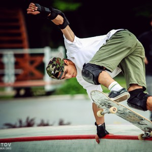 Action shot of a young skateboarder