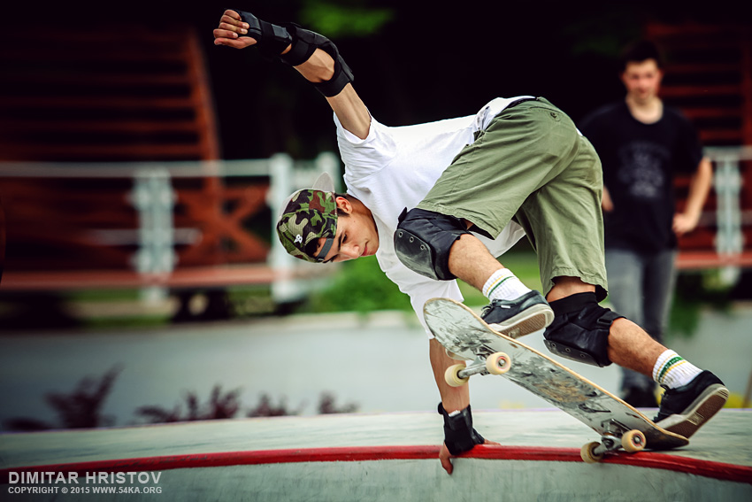 Action shot of a young skateboarder photography other featured extreme  Photo