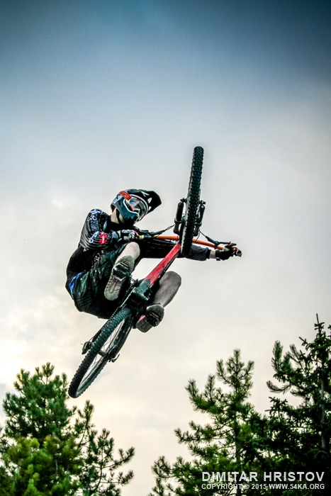 Downhill mountain bike extreme jump photography featured extreme  Photo