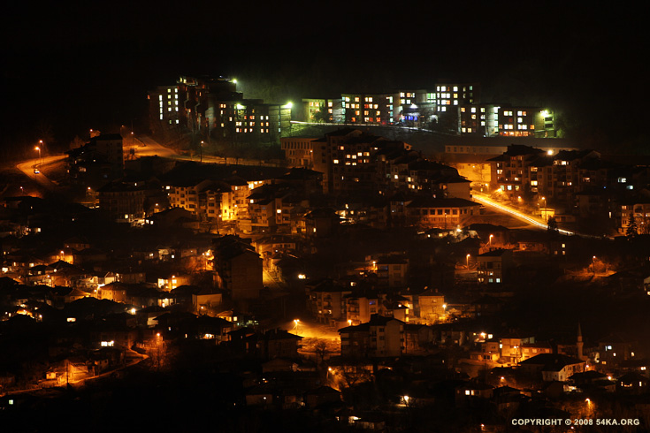 Veliko Tarnovo, Bulgaria night shot photography urban landscapes featured  Photo
