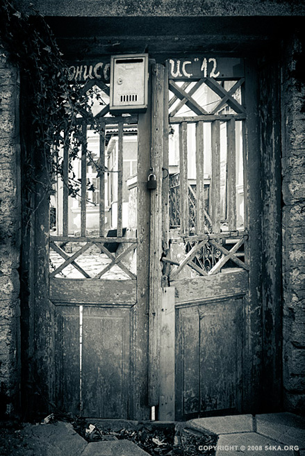 Story of The Old Door photography urban other black and white  Photo