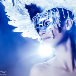 Angel Wings – Venetian mask with feathers portrait