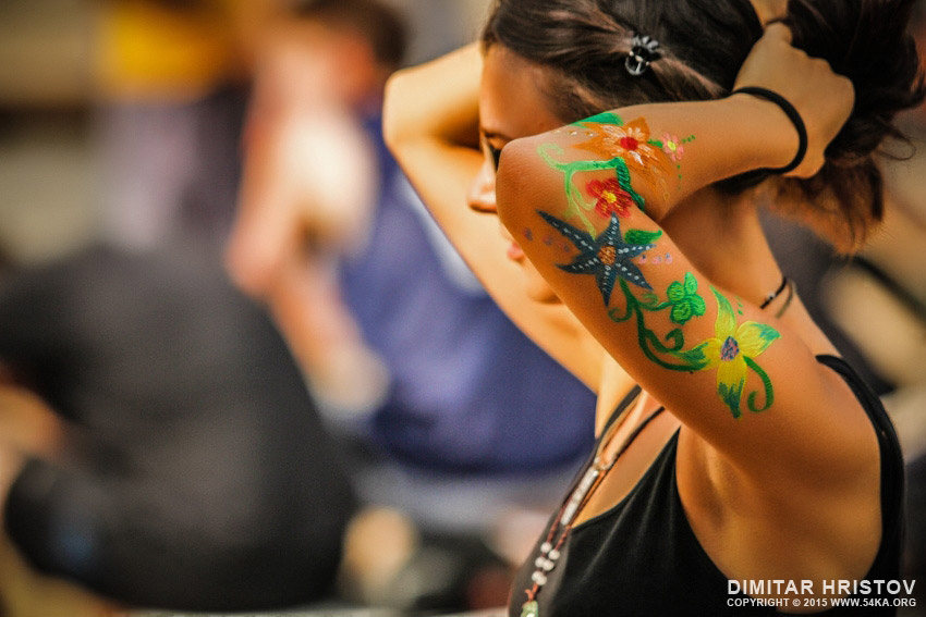 Body art girl with flowers photography daily dose  Photo
