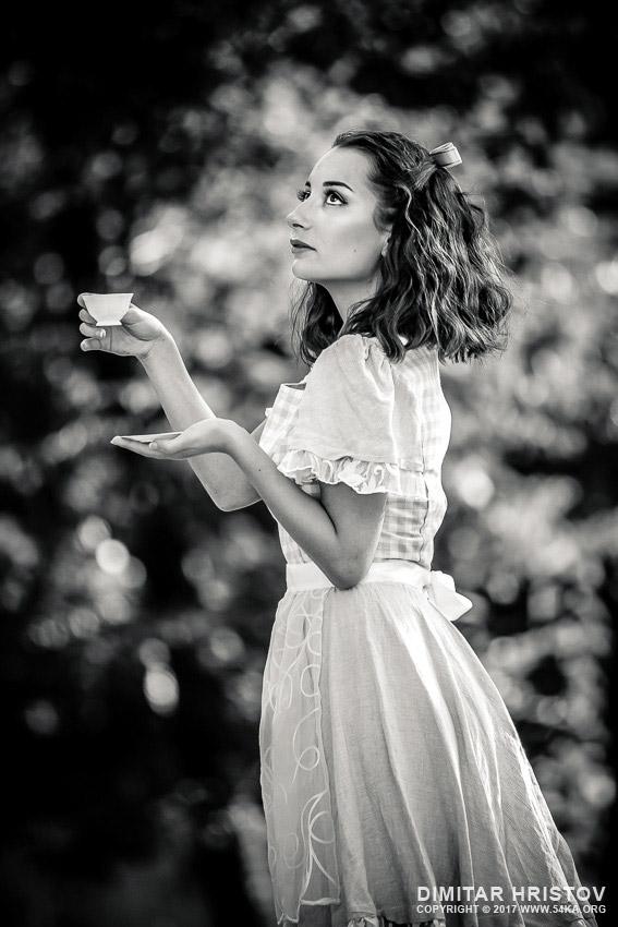 Alice In Wonderland  U2013 Black And White