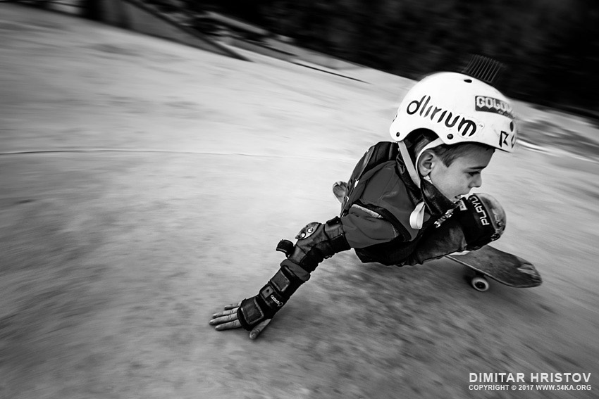Drifting skateboard photography extreme black and white  Photo