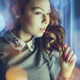 Girl Portrait – Light Bokeh