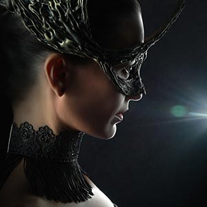 Crown mask – Fashion Portrait