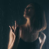 Beautiful hands – Art portrait photography